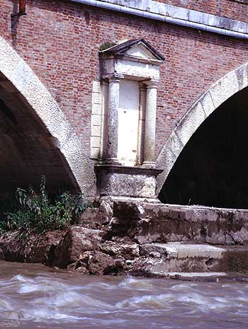 Bridge over the Tesina River - Details